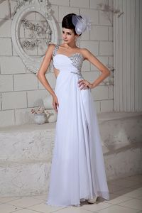 One-Shoulder White Beaded Sweetheart Graduation Dress with Cutout Waist