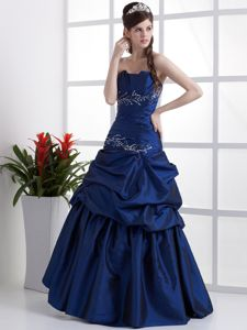 Popular Royal Blue Strapless Graduation Dress with Appliques and Pick-ups