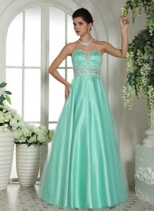 Lovely Apple Green Sweetheart Long Formal Graduation Dress with Beading