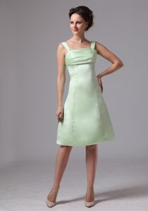 Apple Green Straps Graduation Dress for Middle School in Knee-length in Fisher