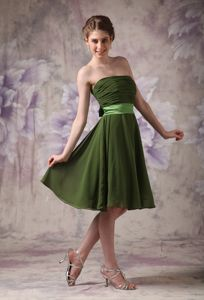 Strapless Knee-length Olive Green Eighth Grade Graduation Dresses in Eldorado