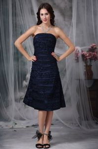 Navy Blue A-line Strapless Knee-length Graduation Dresses for Middle School