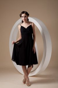 Black Spaghetti Straps Tea-length Middle School Graduation Dresses in Earlville