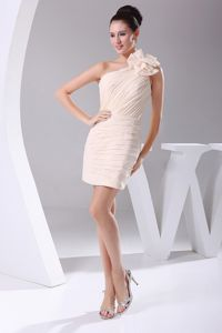 Ruched One Shoulder Mini-length Graduation Dresses in Champagne with Flower
