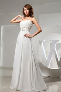 Simple White Strapless Floor-length Graduation Dresses for Girls in Kealakekua