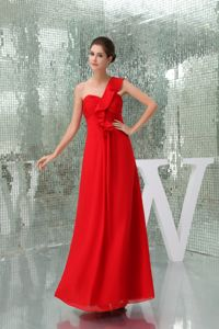 Pretty One Shoulder Ruched in Red Graduation Dresses for 8th Grade in Larbert