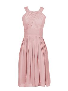 Captivating Pink Column/Sheath Scoop Sleeveless Chiffon Knee Length Zipper Pleated Sweet 16 Dress