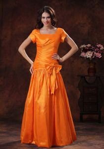 Square Short Sleeves Ruched Orange Graduation Dresses with Bowknot in Launceston