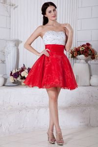 Pretty Red And White Strapless Beaded Short Pageant Graduation Dresses in Cairns