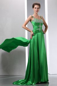 Sexy Straps Beaded Ruched Spring Green Pageant Graduation Dress with Court Train