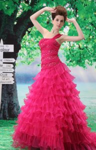 Fuchsia Princess Court Train One-Shoulder Beaded Graduation Dress with Ruffles