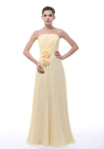 Hand Made Flowers Chiffon Graduation Dress in Light Yellow Cheap