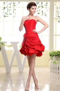 Strapless Mini-length Red Graduation Dresses for Girls with Flower and Pick-ups