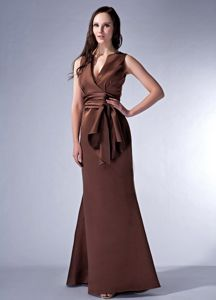 Elegant Brown V-neck Sheath Graduation Dresses for High School in Floor-length