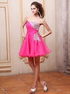Strapless Short Graduation Dresses for High School with Appliques in Hot Pink
