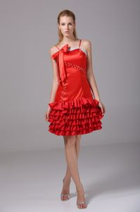 Ruffle-layers Spaghetti Straps Beaded College Graduation Dress in Thorsby