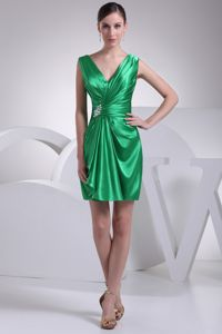 Ruffles and Ruche Decorate Short V-neck Graduation Dresses for Customize