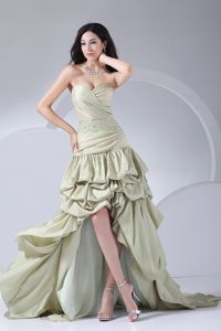 Beading and Pick-ups High-low 2013 Graduation Dress Attached Brush