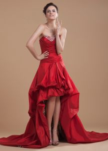 Wine Red High-low Graduation Dresses Beaded and Pick-ups with Court