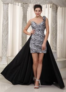 Black and White One Shoulder Flower Leopard Grad Dress in High-low