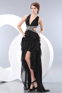 High-low Black V-neck Chiffon Graduation Dress Beaded in Larbert