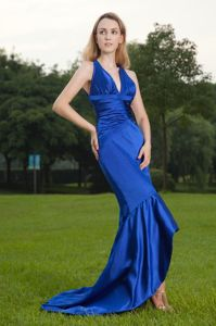 Mermaid Royal Blue V-neck Chiffon Graduation Dresses For Girls
