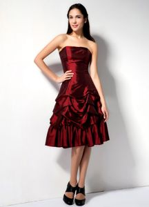 Pick-ups Burgundy Taffeta Graduation Dresses in Lake Havasu City