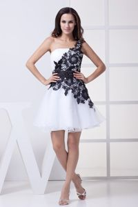 Black Appliques One Shoulder Backless Organza Graduation Dresses