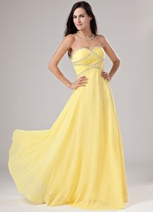 Comfortable Sweetheart Beading Yellow Chiffon Senior Graduation Dress