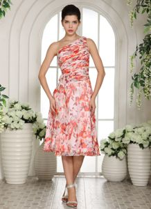 Printed One Shoulder Ruched Tea-length Zipper-up Graduation Gowns