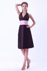 Halter Brown With Pink Belt Junior Grad Dress in Campo Grande Brazil