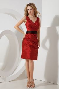 Modest Rust Red V-neck Mini-length Graduation Dress with Ruche in Erie