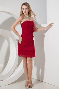 Side Zip Wine Red Ruched Strapless Short Graduation Ceremony Dresses