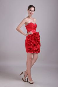 Modest Red Beaded Sweetheart Short University Grad Dresses with Ruffles