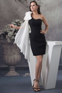 Gorgeous White One Shoulder Black Short Prom Dresses for Grad in Dallas