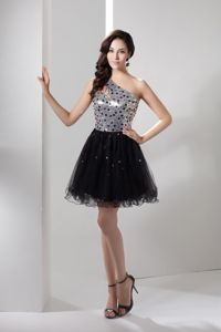 Silver and Black Beaded One Shoulder Mini-length Prom Dresses for Grad