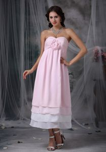 Pink Sweetheart Tea-length Chiffon Graduation Dress with Hand Flower