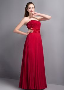 Wine Red Strapless Pleated Floor-length College Graduation Dress in Atlanta