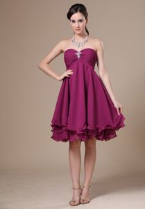 Sweetheart Knee-length Beaded Cheap Graduation Dresses in Fuchsia