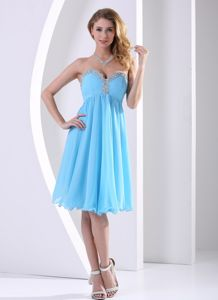 Low Price Aqua Blue Short Graduation Dress with Beaded Sweetheart Neck