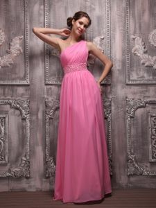 Plus Size Simple One Shoulder Rose Pink Graduation Dresses with Beading