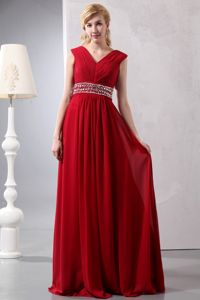 V-neck Wine Red Long Graduation Dresses for Girls with Beaded Waist
