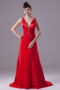 New V-neck Brush Train Red Graduation Dresses for Grade 8 with Beads