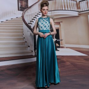 Vintage Scalloped Teal Sleeveless Floor Length Beading and Appliques Clasp Handle Quinceanera Gowns