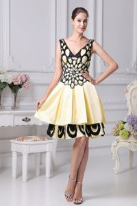 Beading Decorate Yellow and Black School Winter Party Dress for V-neck