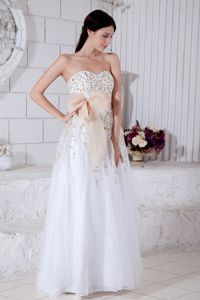 Sweetheart White Beaded Floor-length Graduation Ceremony Dress with Bowknot