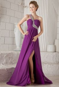 One Shoulder Beaded Ruched Purple Evening Dress for Graduation with Watteau Train