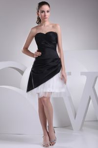 Qualified Sweetheart Black and White Ruched Graduation Dresses in Campbelltown