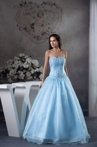 Elegant Sweetheart Beaded Appliqued Floor-length Graduation Dresses in Light Blue