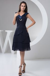 Navy Blue V Neck Knee-length Qualified Graduation Ceremony Dresses in Dubbo